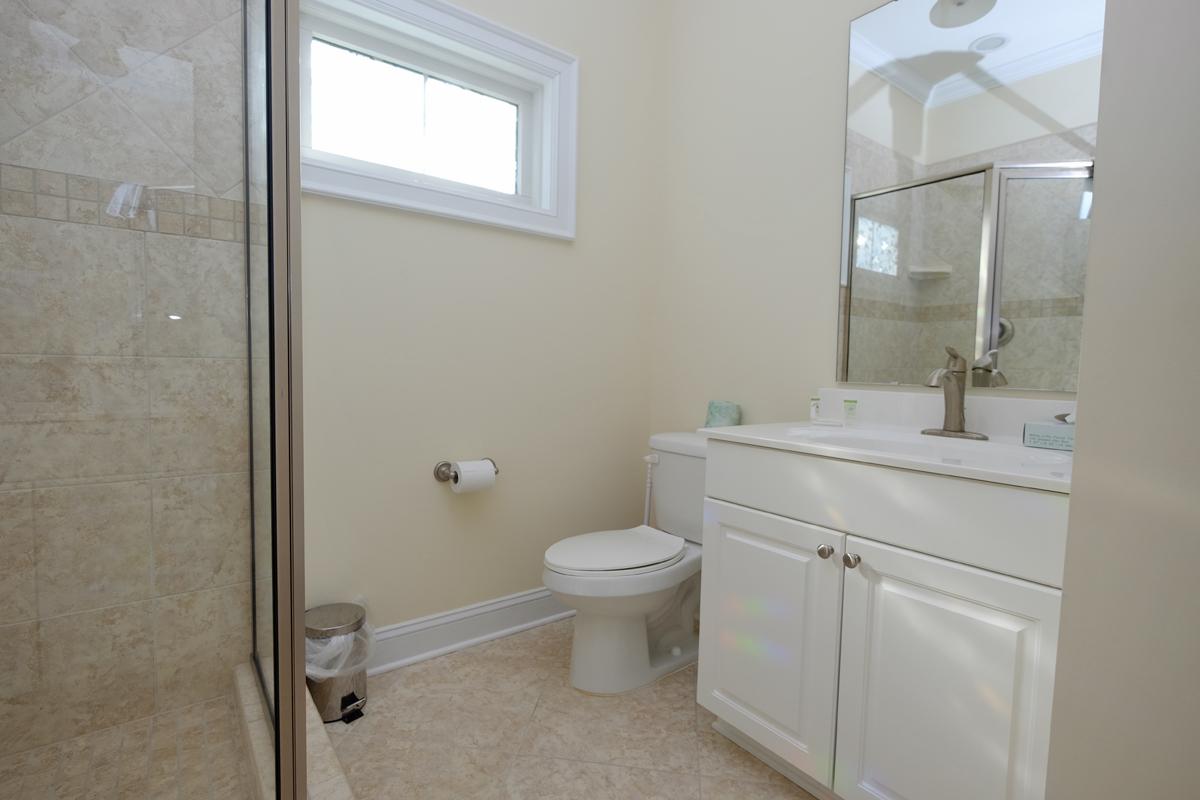 Myrtlewood Two Bedroom Bathroom